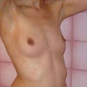 Photos des seins de Kati, douche et bain,